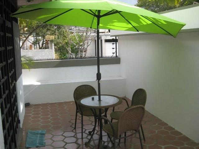 Casa Distrito Metropolitano>Caracas>El Cafetal - Venta:287.334.000.000 Precio Referencial - codigo: 14-8291