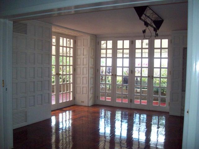 Apartamento Distrito Metropolitano>Caracas>Santa Rosa de Lima - Venta:230.941.000.000 Bolivares Fuertes - codigo: 14-8270