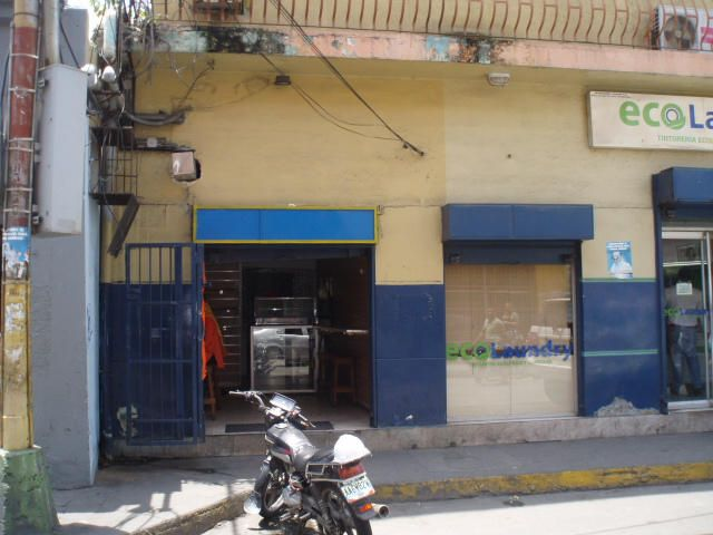 Local Comercial Carabobo>Puerto Cabello>Zona Colonial - Venta:560.000.000 Bolivares - codigo: 14-8298