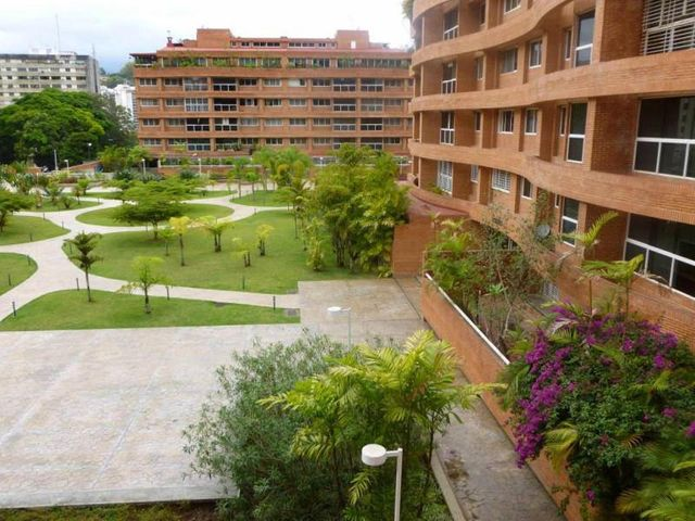 Apartamento Distrito Metropolitano>Caracas>La Boyera - Venta:67.676.000.000 Bolivares Fuertes - codigo: 14-8294