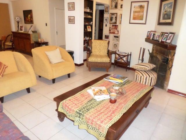 Townhouse Distrito Metropolitano>Caracas>Miranda - Venta:53.067.000.000 Bolivares - codigo: 14-8325