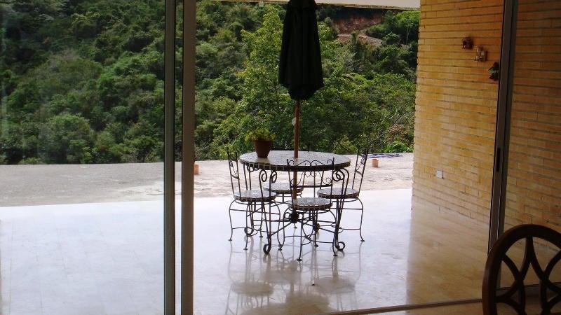 Casa Distrito Metropolitano>Caracas>Lomas de La Lagunita - Venta:49.790.000.000 Bolivares - codigo: 14-8406