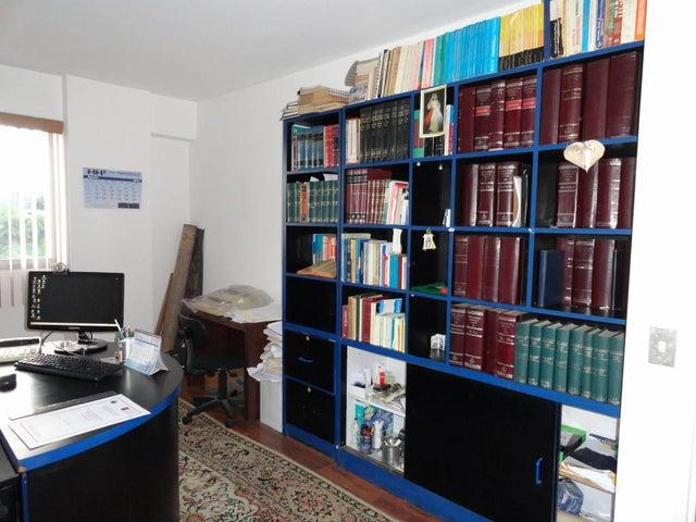Apartamento Distrito Metropolitano>Caracas>Chulavista - Venta:157.564.000.000 Precio Referencial - codigo: 14-8569