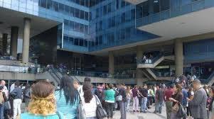 Local Comercial Distrito Metropolitano>Caracas>Los Palos Grandes - Venta:87.487.000.000 Bolivares - codigo: 14-8620