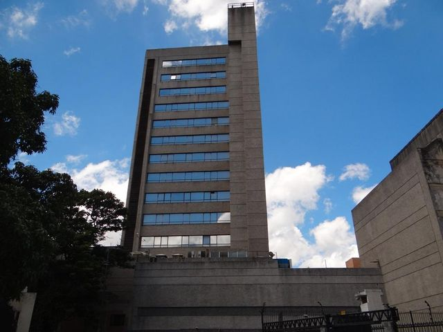 Oficina Distrito Metropolitano>Caracas>Sabana Grande - Venta:395.706.000.000 Precio Referencial - codigo: 14-8675