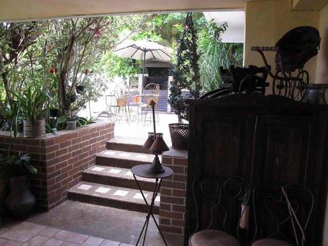 Casa Distrito Metropolitano>Caracas>La Lagunita Country Club - Venta:609.236.000.000 Precio Referencial - codigo: 14-8774