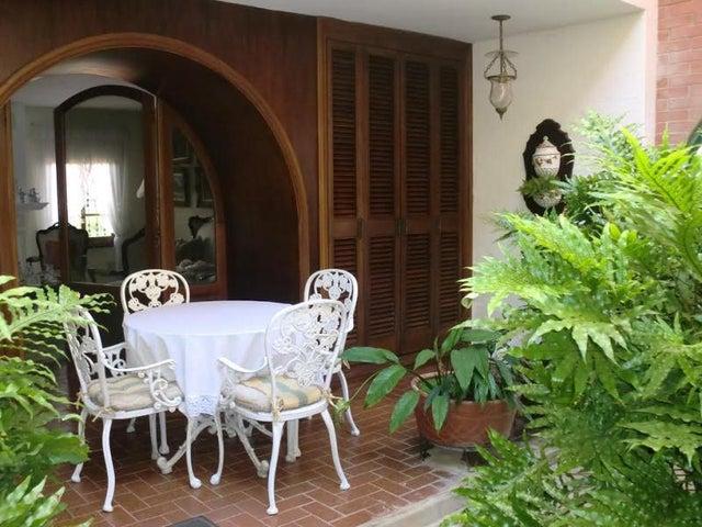 Casa Distrito Metropolitano>Caracas>Santa Paula - Venta:810.275.000.000 Precio Referencial - codigo: 14-8913