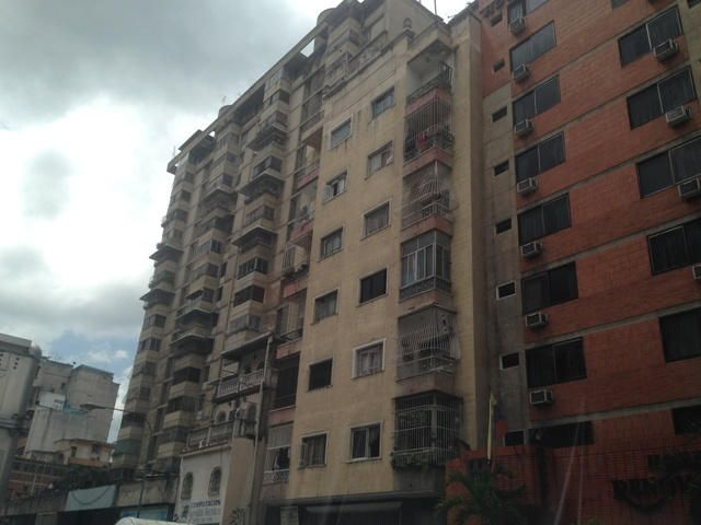 Edificio Distrito Metropolitano>Caracas>Parroquia La Candelaria - Venta:630.254.000.000 Precio Referencial - codigo: 14-8883