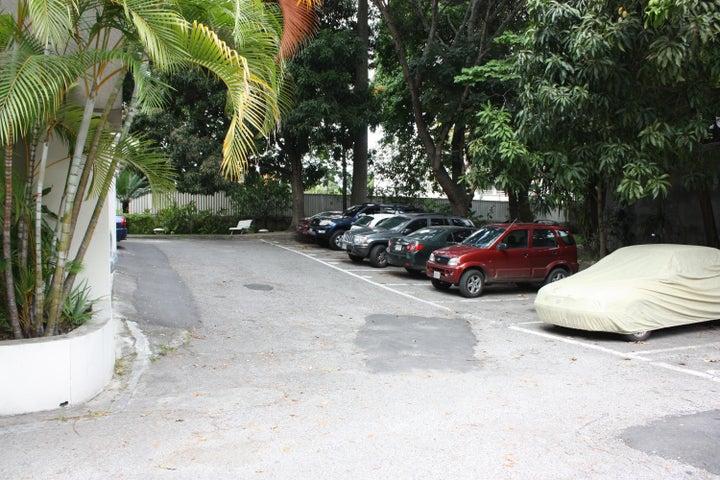 Apartamento Distrito Metropolitano>Caracas>Alta Florida - Venta:79.394.000.000 Precio Referencial - codigo: 14-8103