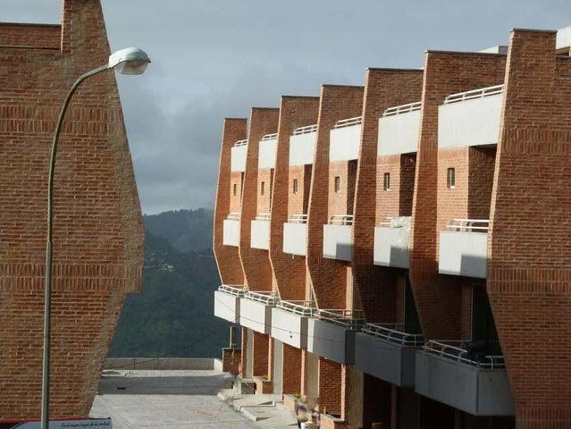 Townhouse Distrito Metropolitano>Caracas>Loma Linda - Venta:166.497.000.000 Precio Referencial - codigo: 14-8744