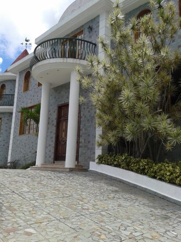 Casa Distrito Metropolitano>Caracas>Los Naranjos del Cafetal - Venta:1.128.532.000.000 Precio Referencial - codigo: 14-8912