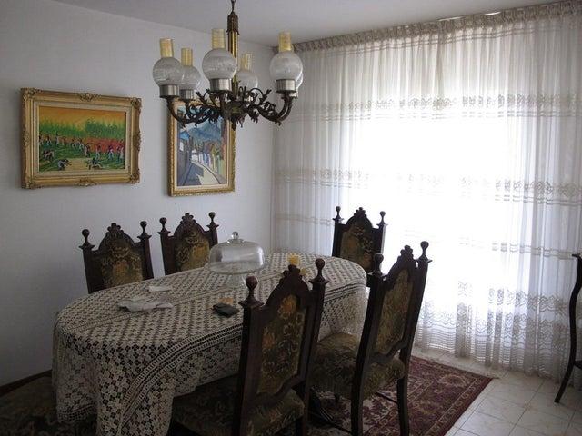 Casa Distrito Metropolitano>Caracas>Los Naranjos del Cafetal - Venta:500.000.000 Bolivares Fuertes - codigo: 14-8954