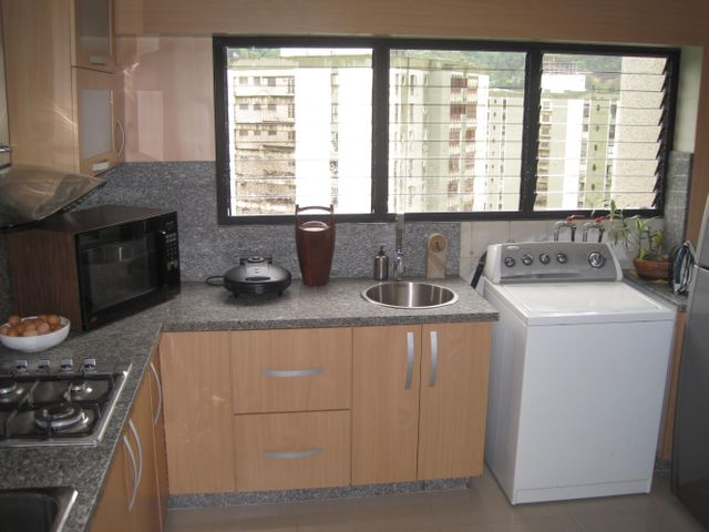 Apartamento Distrito Metropolitano>Caracas>La Boyera - Venta:131.902.000.000 Precio Referencial - codigo: 14-8984