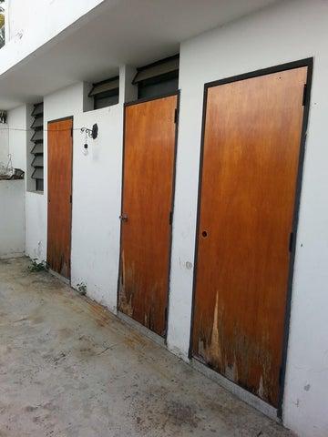 Casa Distrito Metropolitano>Caracas>Lomas del Club Hipico - Venta:42.861.000.000 Bolivares - codigo: 14-10397