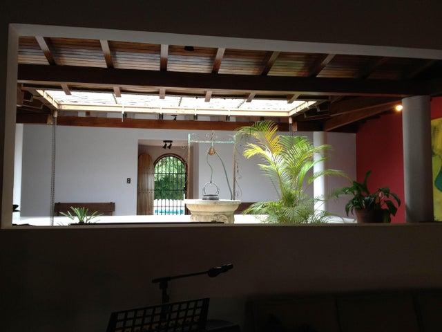 Casa Distrito Metropolitano>Caracas>Las Mesetas de Santa Rosa de Lima - Venta:641.347.000.000 Precio Referencial - codigo: 14-9105