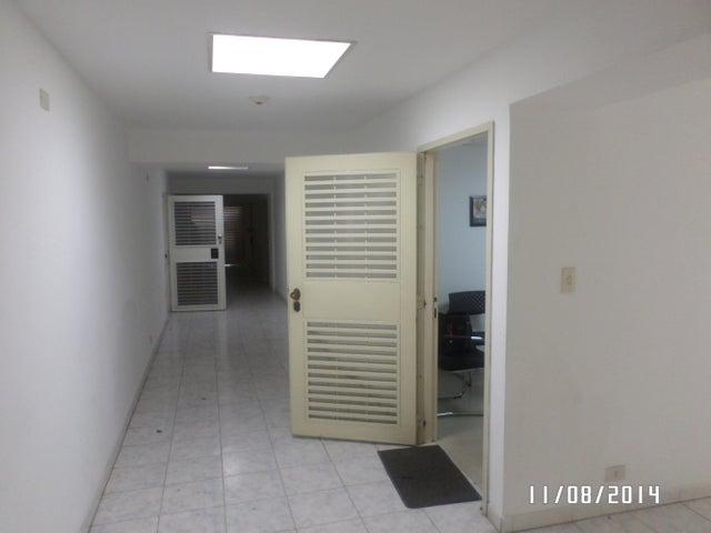 Local Comercial Distrito Metropolitano>Caracas>Miranda - Venta:40.514.000.000 Precio Referencial - codigo: 14-9187