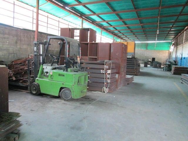 Negocios y Empresas Aragua>La Victoria>Zona Industrial Soco - Venta:810.274.880.000.000 Bolivares - codigo: 14-9541