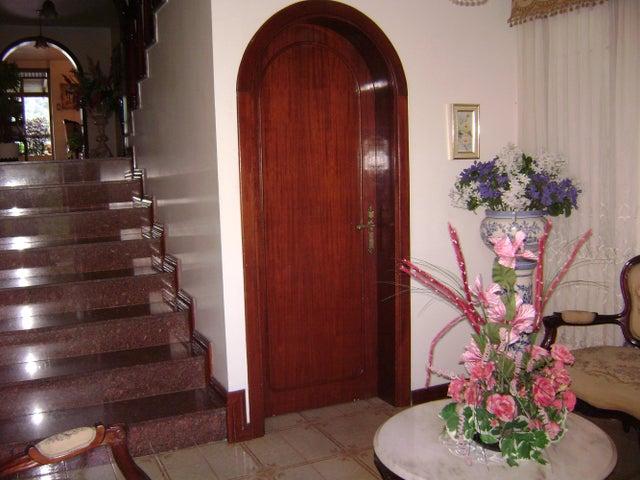 Casa Distrito Metropolitano>Caracas>Colinas de Bello Monte - Venta:885.552.000.000 Precio Referencial - codigo: 14-9550