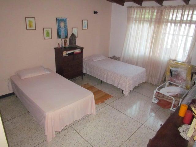 Casa Distrito Metropolitano>Caracas>Macaracuay - Venta:183.218.000.000 Precio Referencial - codigo: 14-9695