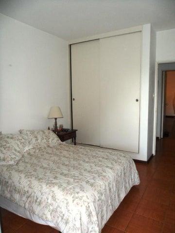 Apartamento Distrito Metropolitano>Caracas>Prado Humboldt - Venta:80.000 US Dollar - codigo: 14-9908