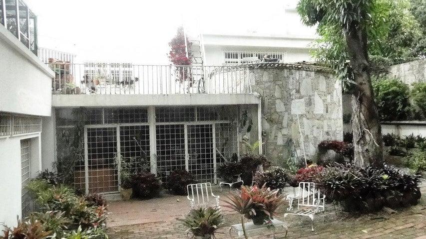 Casa Distrito Metropolitano>Caracas>Country Club - Venta:396.972.000.000 Precio Referencial - codigo: 14-9997