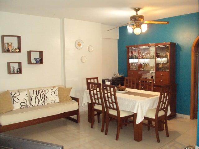 Apartamento Carabobo>Valencia>Prebo I - Venta:31.774.000.000 Precio Referencial - codigo: 14-10231
