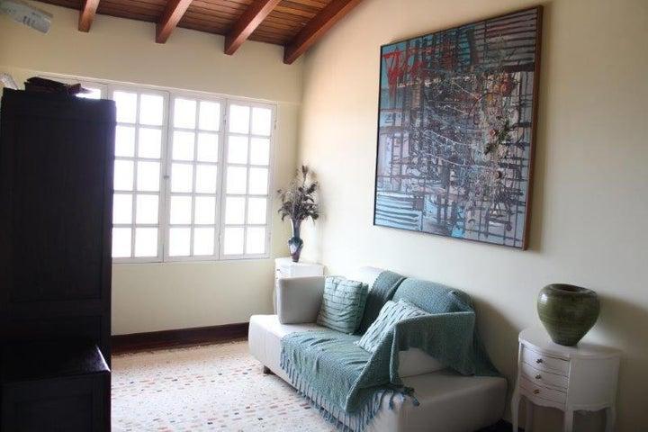 Casa Distrito Metropolitano>Caracas>Alto Prado - Venta:70.501.000.000 Bolivares - codigo: 14-1485