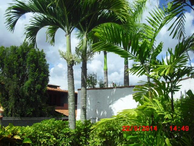 Casa Distrito Metropolitano>Caracas>Los Naranjos del Cafetal - Venta:249.023.000.000 Precio Referencial - codigo: 14-10763