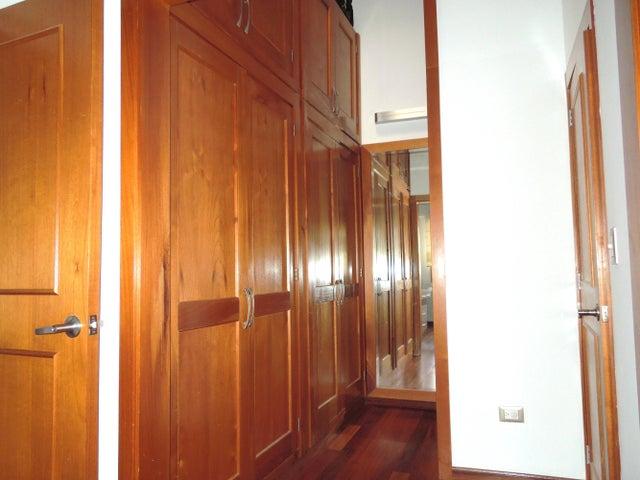 Casa Distrito Metropolitano>Caracas>Parque Oripoto - Venta:181.524.000.000 Precio Referencial - codigo: 14-10392