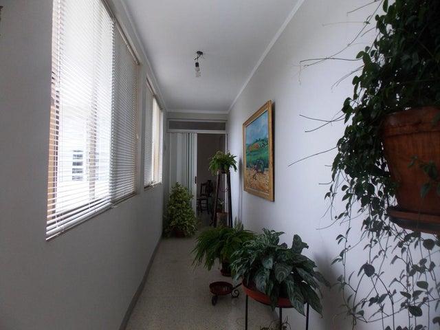 Casa Carabobo>Valencia>Guaparo - Venta:4.620.000.000 Bolivares - codigo: 14-10556