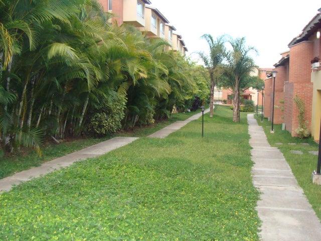 Townhouse Distrito Metropolitano>Caracas>Loma Linda - Venta:186.363.000.000 Precio Referencial - codigo: 14-10570