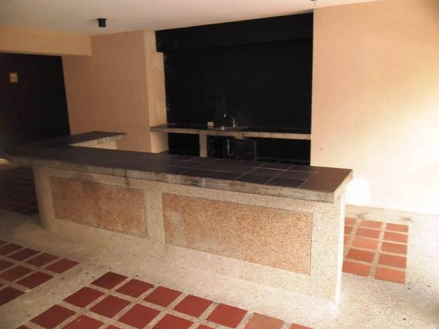 Apartamento Distrito Metropolitano>Caracas>Los Dos Caminos - Venta:244.290.000.000 Precio Referencial - codigo: 14-10703