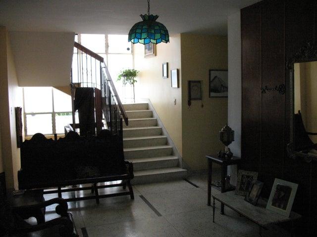 Casa Distrito Metropolitano>Caracas>Los Palos Grandes - Venta:1.000.000  - codigo: 14-10779