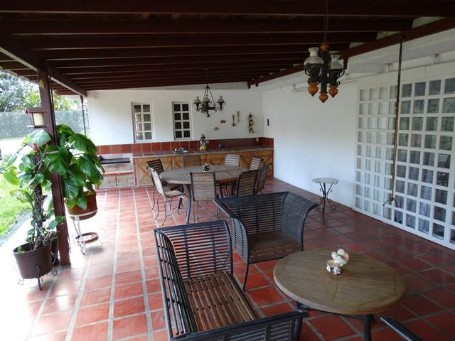 Casa Miranda>San Antonio de los Altos>Club de Campo - Venta:213.754.000.000 Precio Referencial - codigo: 14-10830