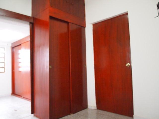 Casa Zulia>Municipio San Francisco>El Silencio - Venta:1.811.000.000 Bolivares - codigo: 14-10544