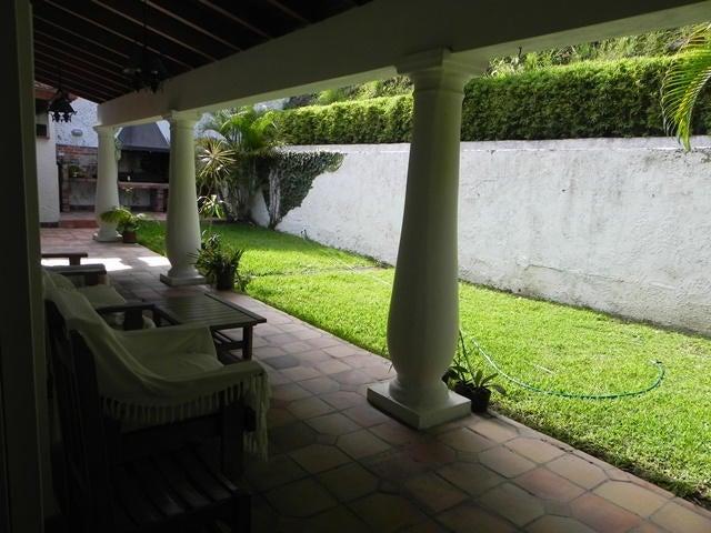 Casa Distrito Metropolitano>Caracas>Santa Paula - Venta:63.164.000.000 Bolivares - codigo: 14-10936