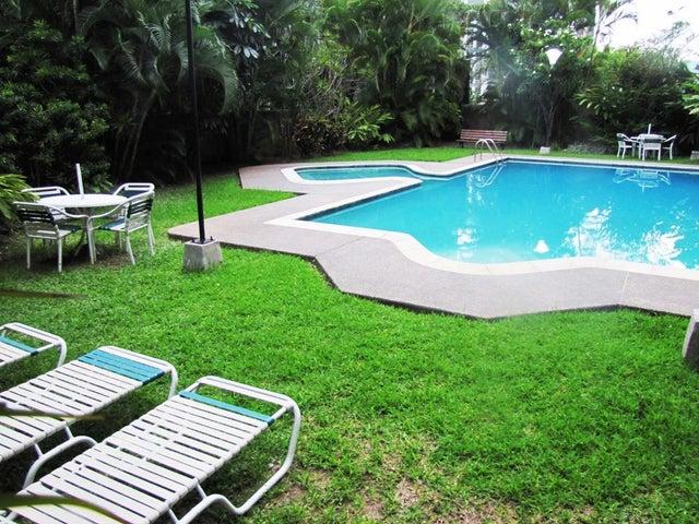 Apartamento Distrito Metropolitano>Caracas>Santa Eduvigis - Venta:260.983.000.000 Precio Referencial - codigo: 14-11018