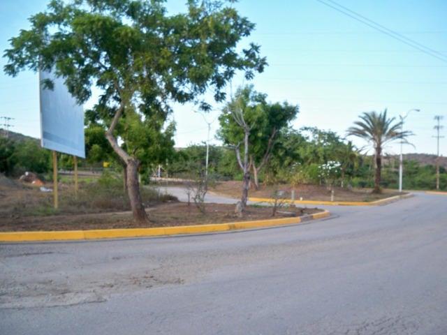 Townhouse Nueva Esparta>Margarita>Sector San Lorenzo - Venta:36.341.000.000 Precio Referencial - codigo: 14-11153