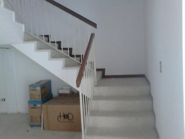 Casa Distrito Metropolitano>Caracas>Colinas de Los Ruices - Venta:73.901.000.000 Bolivares - codigo: 14-11195