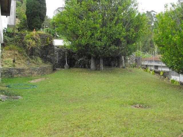 Casa Distrito Metropolitano>Caracas>La Lagunita Country Club - Venta:23.200.000.000 Bolivares - codigo: 14-11520