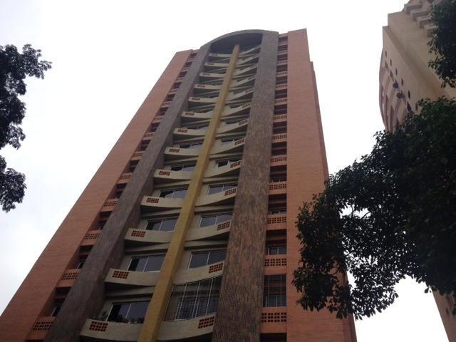 Apartamento Carabobo>Valencia>Las Chimeneas - Venta:22.902.000.000 Precio Referencial - codigo: 14-11682