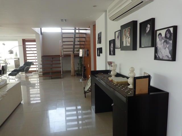 Casa Lara>Barquisimeto>Santa Elena - Venta:366.435.000.000 Precio Referencial - codigo: 14-11577