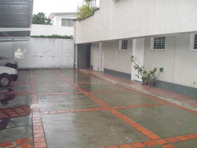 Casa Distrito Metropolitano>Caracas>Los Palos Grandes - Venta:375.567.000.000 Precio Referencial - codigo: 14-11943