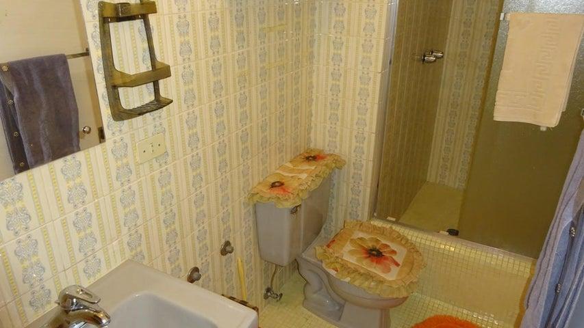 Apartamento Distrito Metropolitano>Caracas>El Peñon - Venta:220.000 US Dollar - codigo: 14-12093