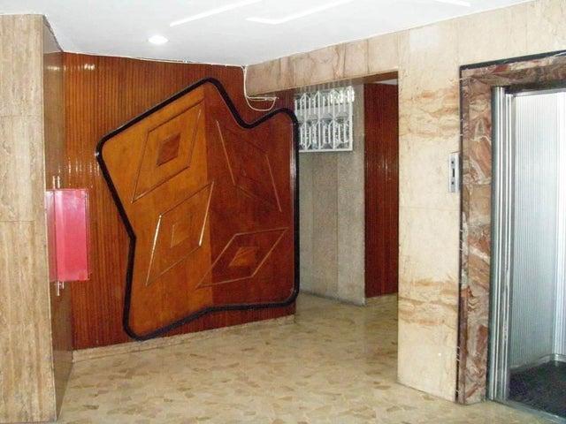Apartamento Distrito Metropolitano>Caracas>Colinas de Bello Monte - Venta:30.073.000.000 Bolivares Fuertes - codigo: 14-12193