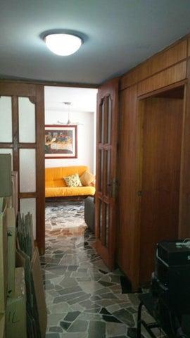 Apartamento Distrito Metropolitano>Caracas>Los Palos Grandes - Venta:45.264.000.000 Bolivares Fuertes - codigo: 14-12201