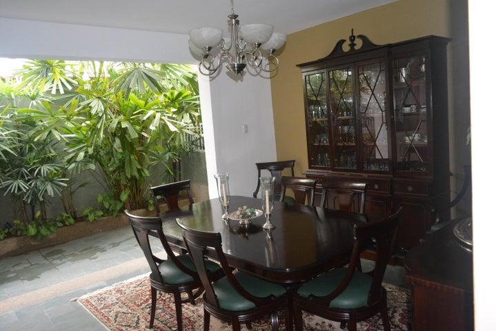Casa Distrito Metropolitano>Caracas>Sebucan - Venta:87.676.000.000 Bolivares - codigo: 14-12554