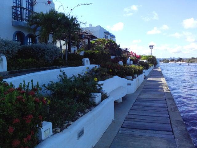 Casa Miranda>Higuerote>Puerto Encantado - Venta:160.000 Precio Referencial - codigo: 14-12561