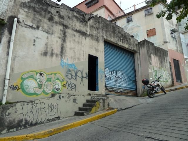 Galpon - Deposito Distrito Metropolitano>Caracas>El Llanito - Venta:10.184.000.000 Bolivares - codigo: 14-2953