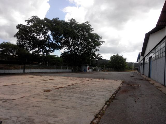Galpon - Deposito Miranda>Charallave>Paso Real - Alquiler:339.000.000 Bolivares - codigo: 14-12727